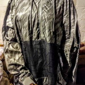 Under Armour camouflage windbreaker NWT
